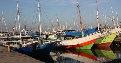 640px-Makassar,_old_harbour_(6965255799)